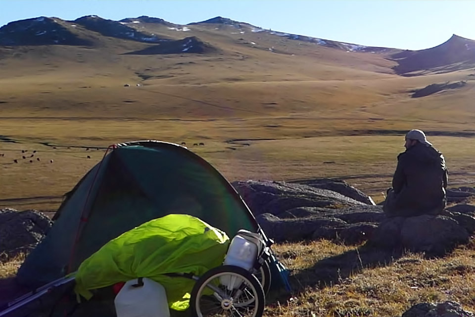 Walking in Mongolia for 2 months, 1000 km