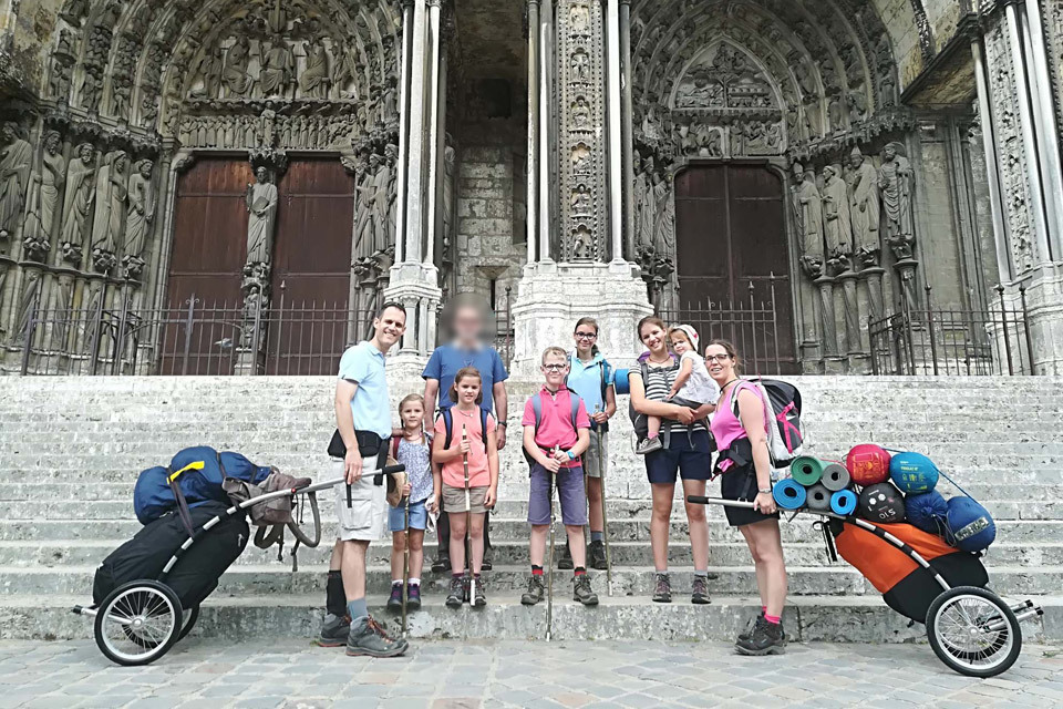 Hiking 300km with 6 Children